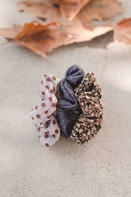 Fall Print Scrunchie - orangeshine.com
