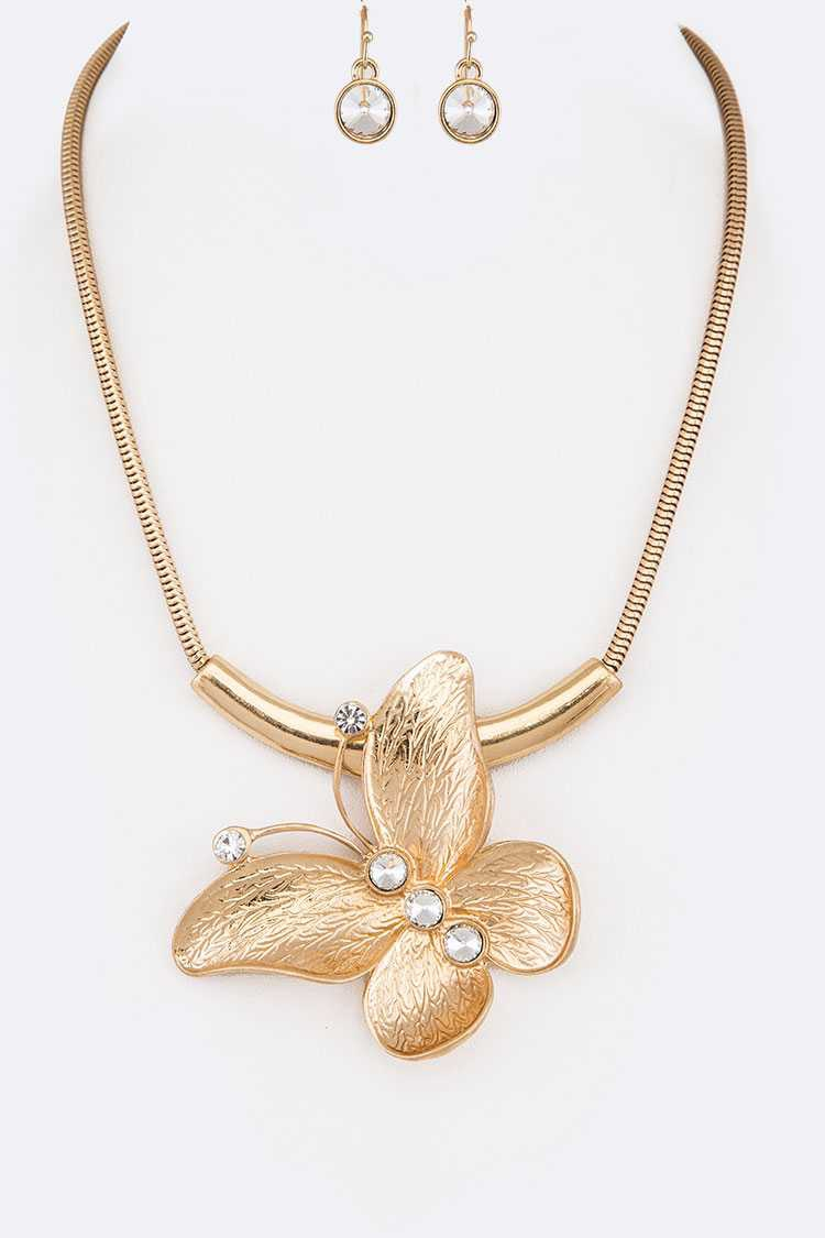 Butterfly Pendant Collar Necklace Se - orangeshine.com