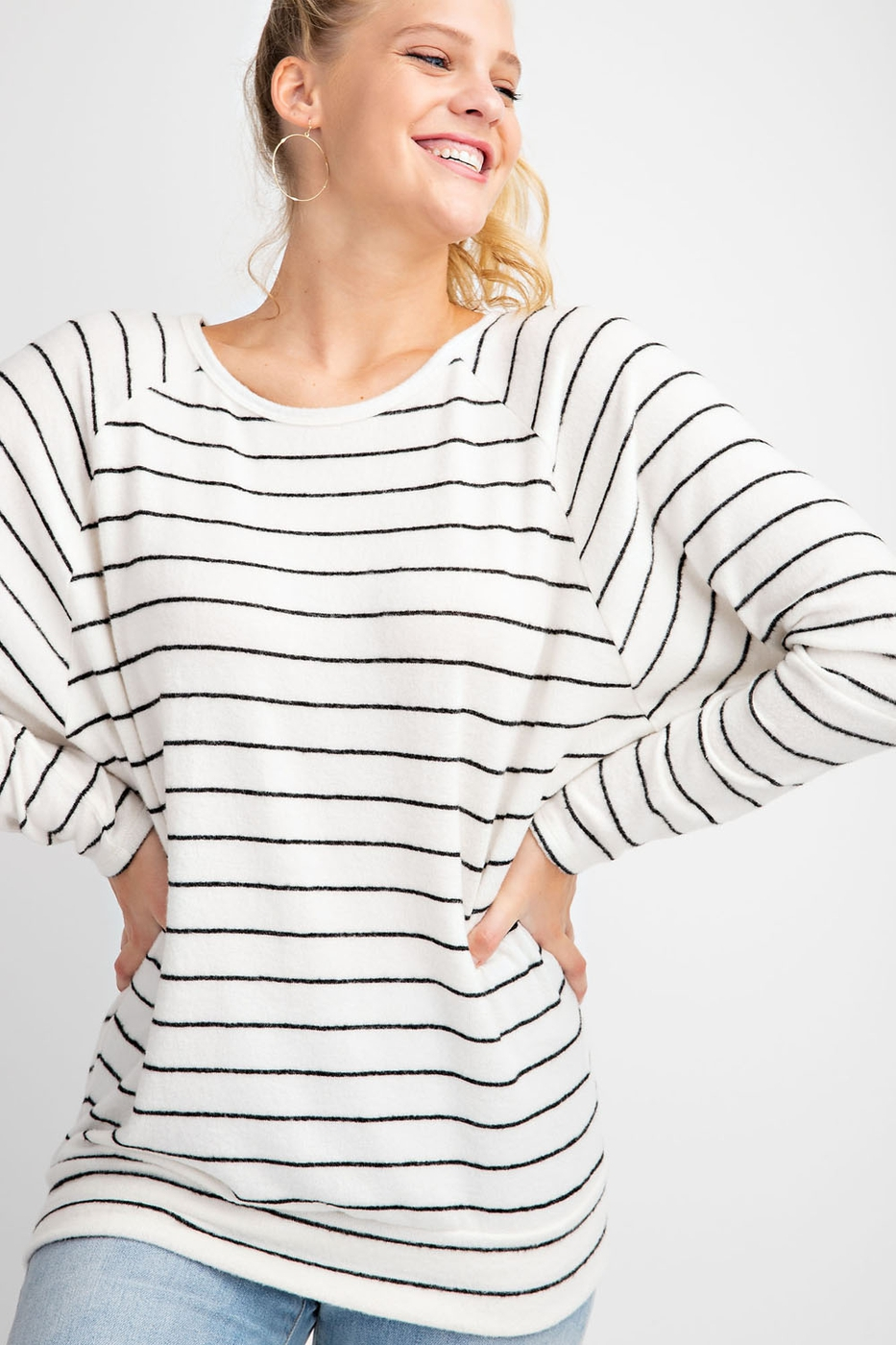 ROUND NECK LONG SLEEVES RAGLAN STRIP - orangeshine.com