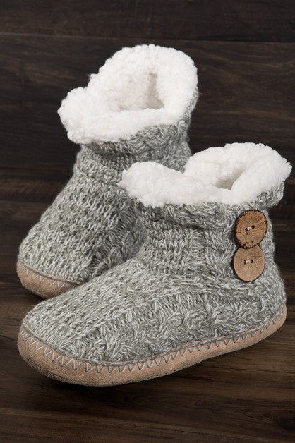Coconut Button Knitted Slippers - orangeshine.com