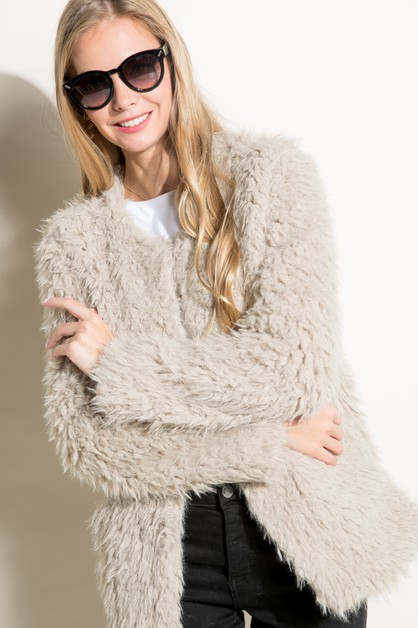 FAUX FUR JACKET HOOK AND EYE CLOSURE - orangeshine.com