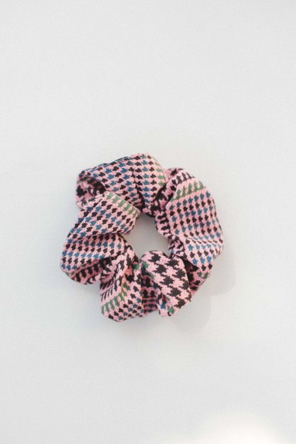 Blush Houndstooth Hair Scrunchie - orangeshine.com