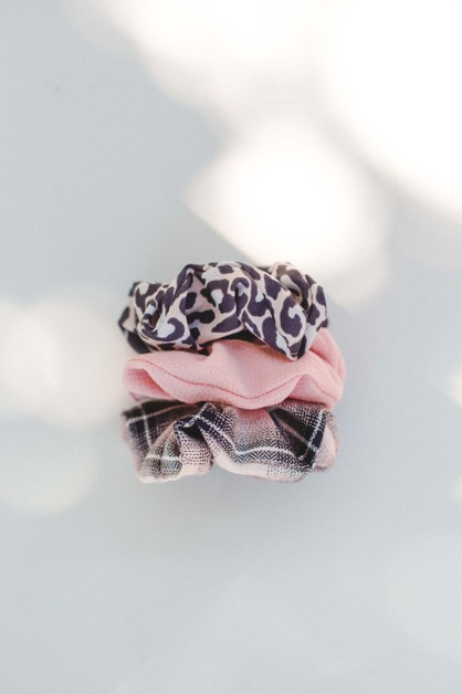 Blush Leopard Scrunchie - orangeshine.com