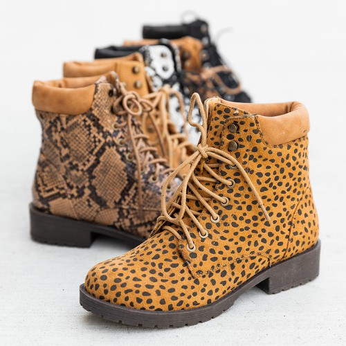 Mata Lace Up Low Heel Ankle Booties - orangeshine.com