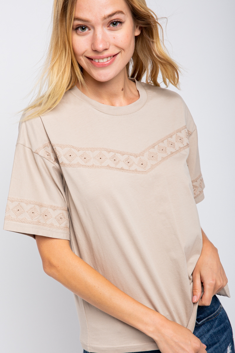 TOP WITH EMBROIDERY DETAIL - orangeshine.com