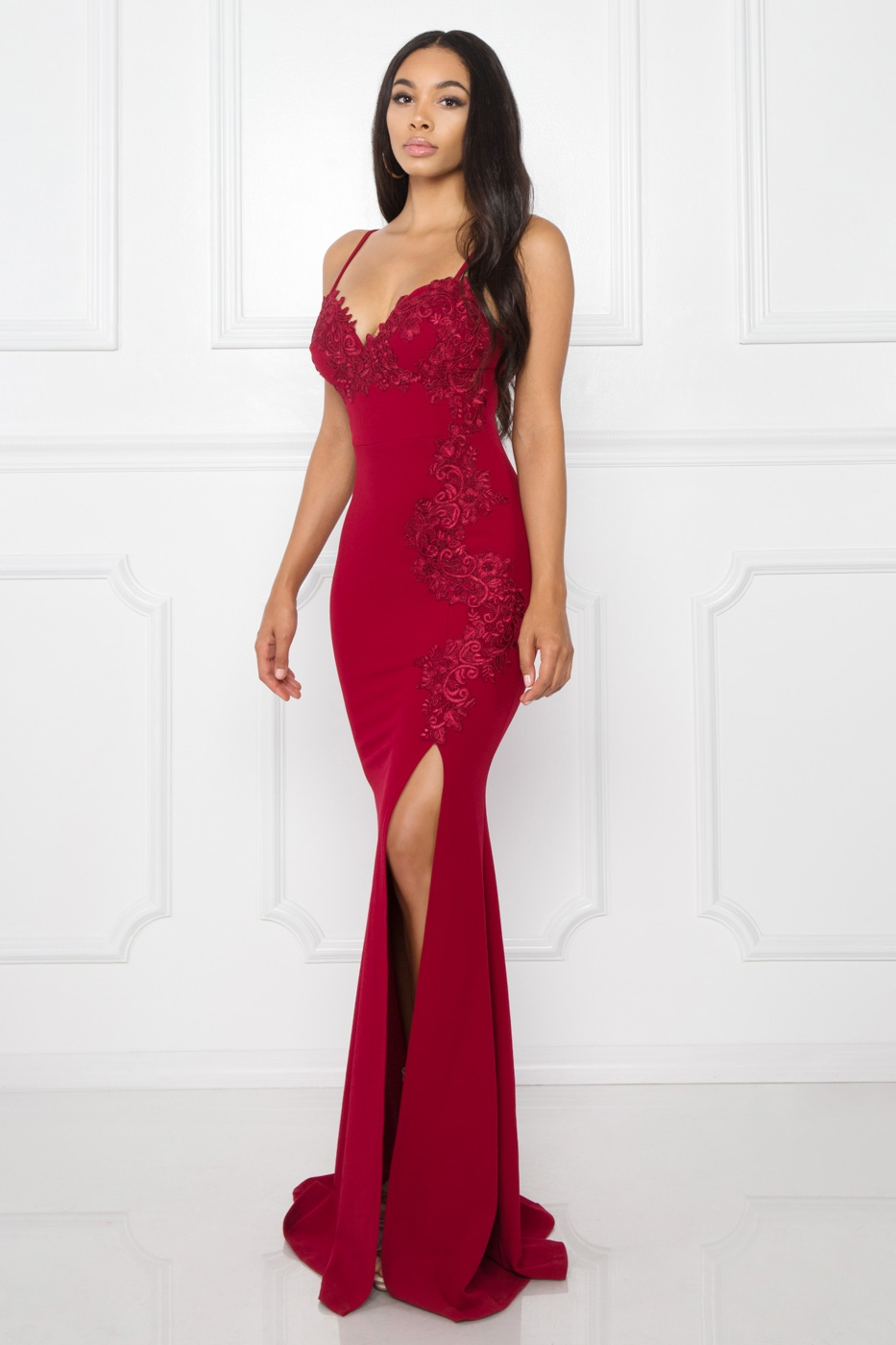 FLORAL LACE APPLIQUE THIGH SLIT GOWN - orangeshine.com