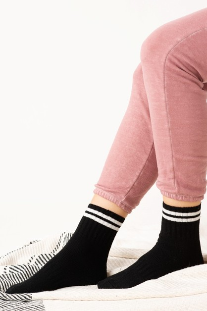 Soft and Cozy Stripe Socks  - orangeshine.com