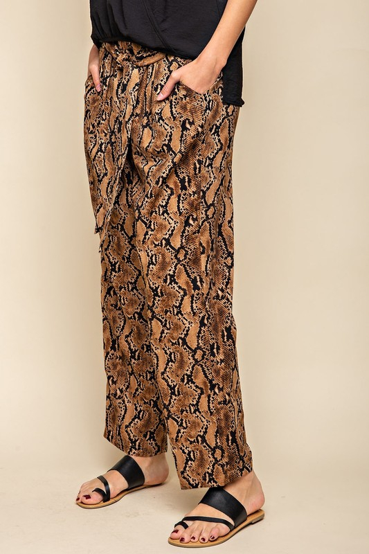 SNAKE PRINT POCKETED TAPER PANTS - orangeshine.com