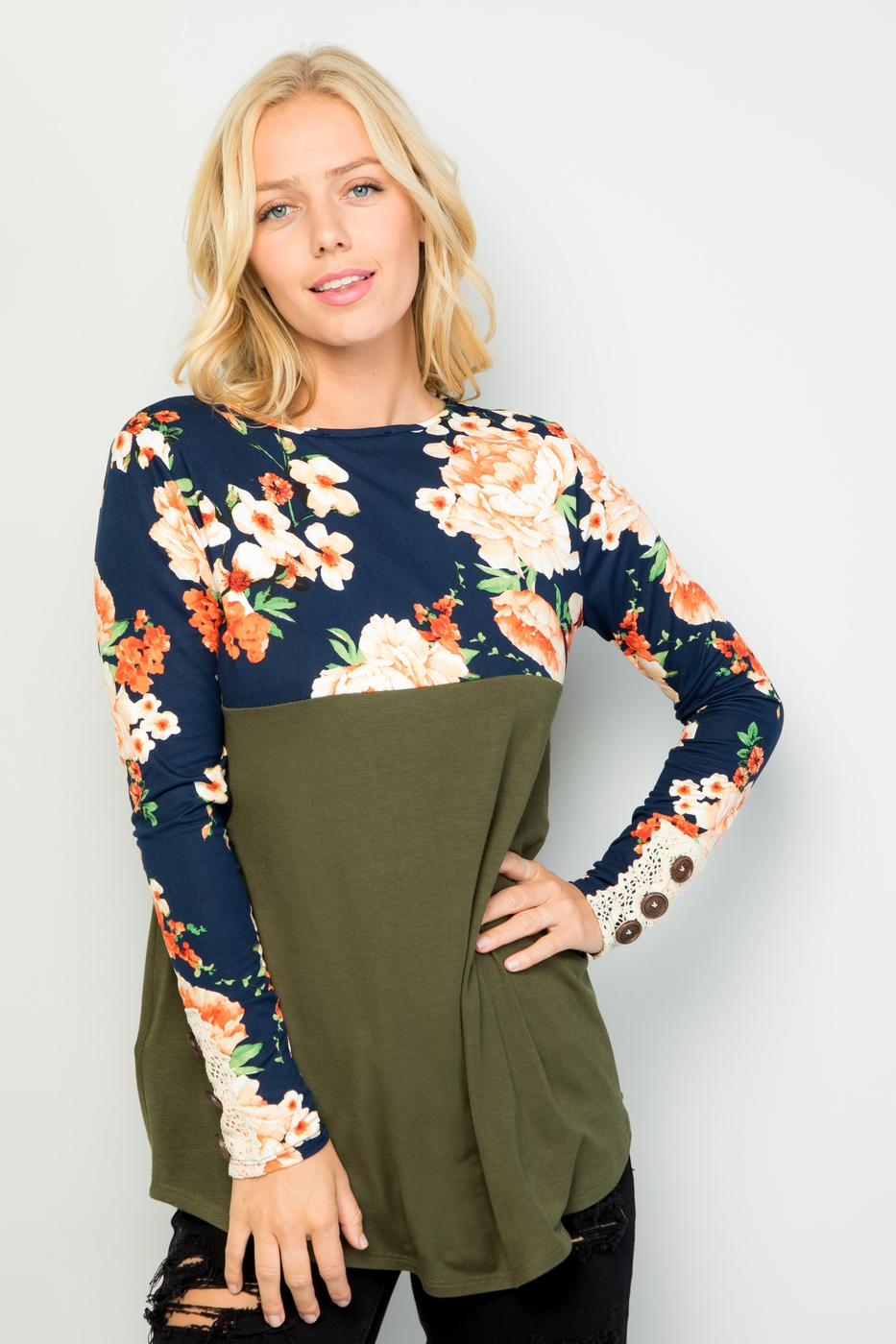 FLORAL TOP WITH LACE AND BUTTONS - orangeshine.com