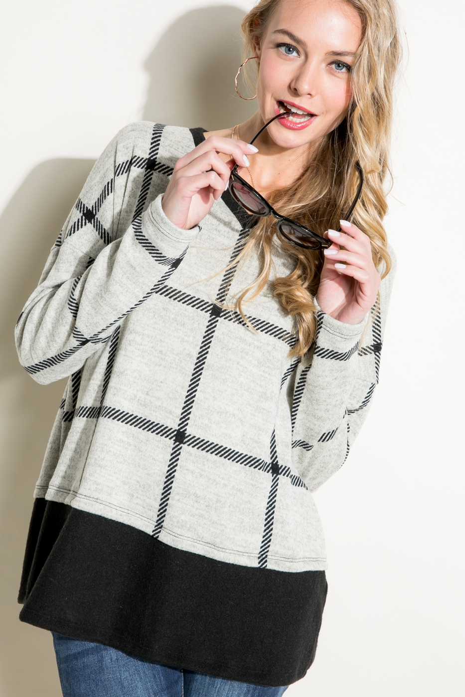 SOLID PLAID PRINT V NECK BOXY TOP - orangeshine.com