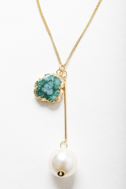 Gem and Pearl Pendant Fashion Chain  - orangeshine.com