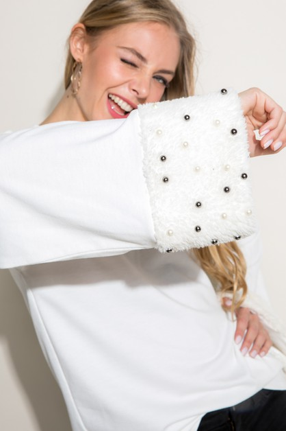 FAUX FUR AND FAUX PEARLS SLEEVE TOP - orangeshine.com