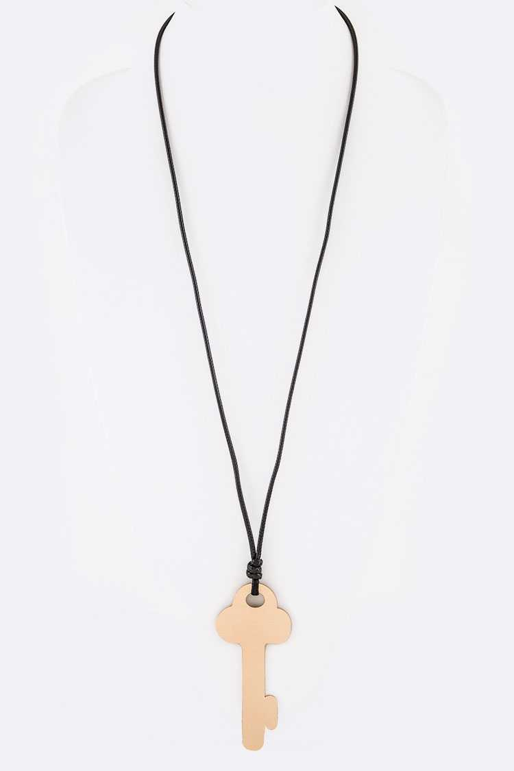 Jumbo Key Iconic Pendant Necklace - orangeshine.com