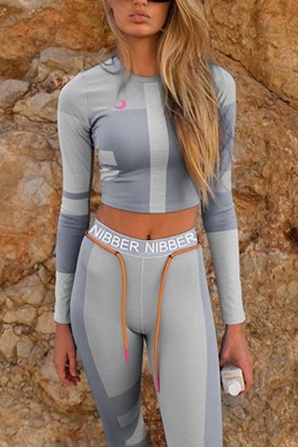 Contrast sports fitness suit - orangeshine.com