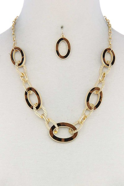 FAUX FUR OVAL SHAPE LINKED NECKLACE - orangeshine.com