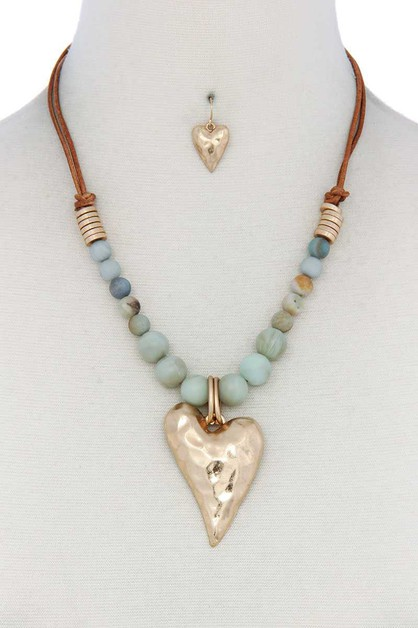 HEART PENDANT BEADED SUEDE NECKLACE - orangeshine.com