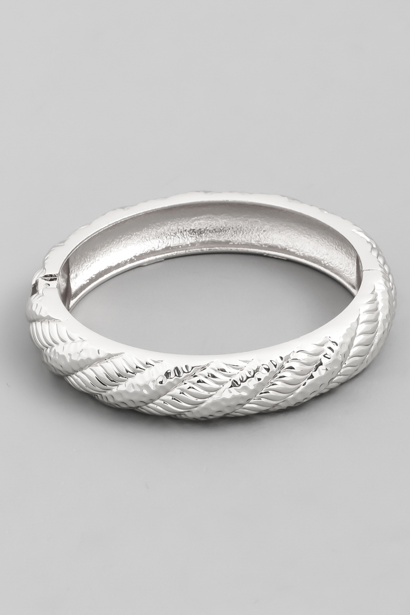 Textured Metallic Bangle Bracelet - orangeshine.com
