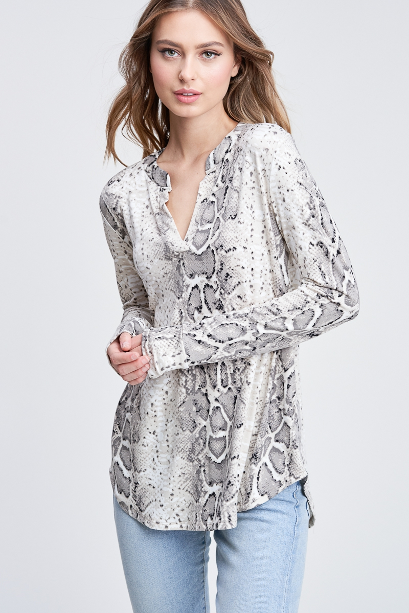Long Sleeve Snake Print Knit Top - orangeshine.com