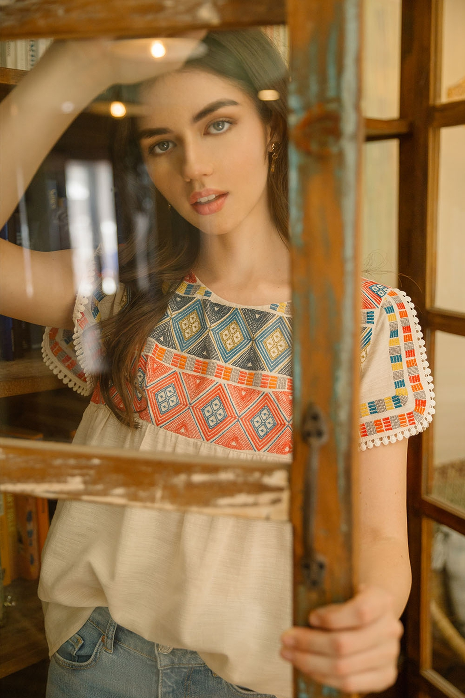 Embroidered Short Sleeve Knit Top - orangeshine.com