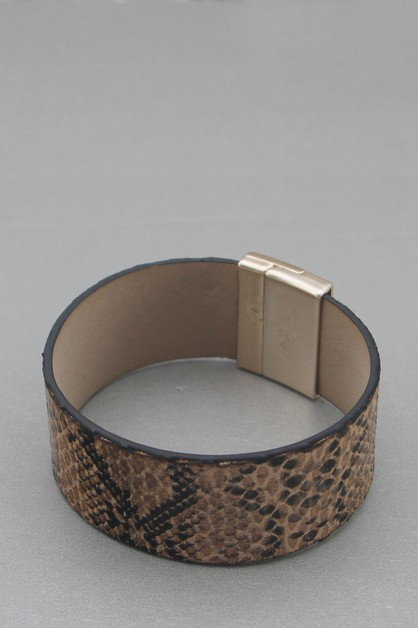 LEATHER WITH ANIMAL PRINTED BRACELET - orangeshine.com