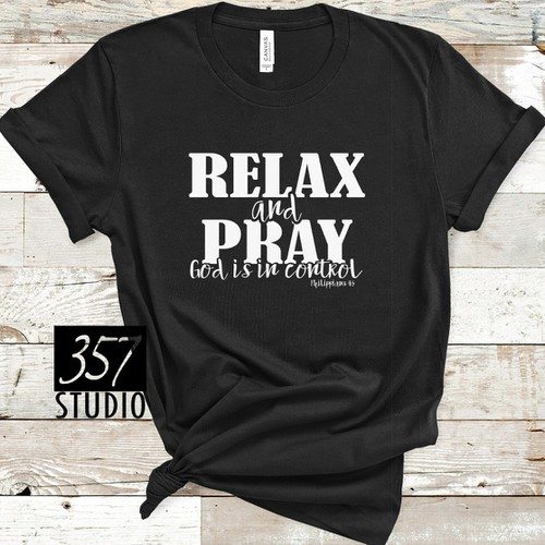 GRAPHIC TEE- Relax and Pray - orangeshine.com