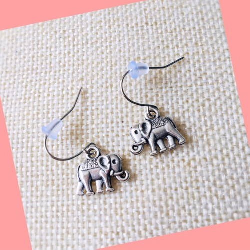 Elephant charm earrings - orangeshine.com