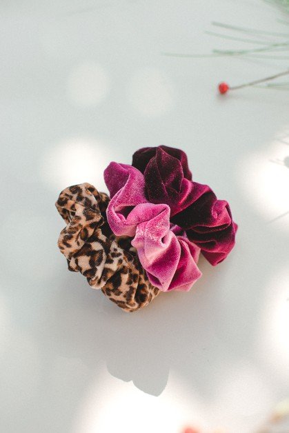 3-pack Velvet Scrunchies - orangeshine.com