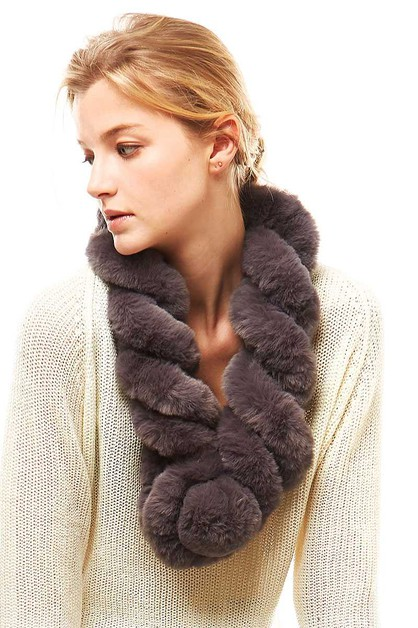 FAUX FUR TWISTED PULL THROUGH SCARF - orangeshine.com