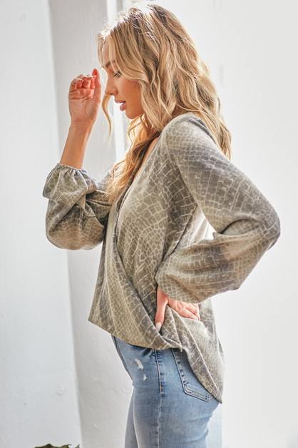 Snake print Puff Sleeve Top - orangeshine.com