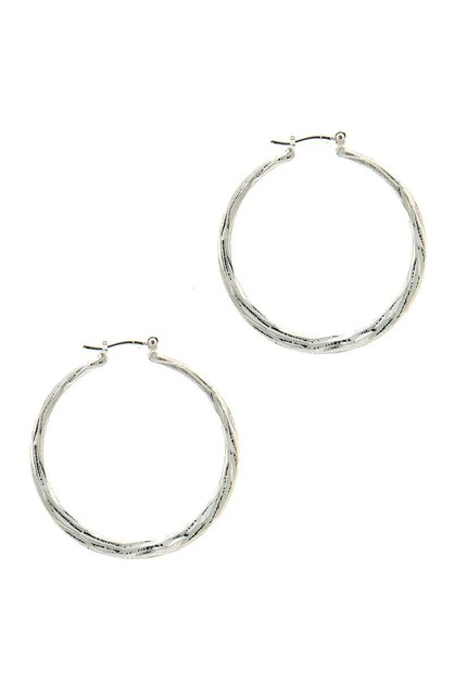 TRENDY CLOSE HOOP EARRING - orangeshine.com
