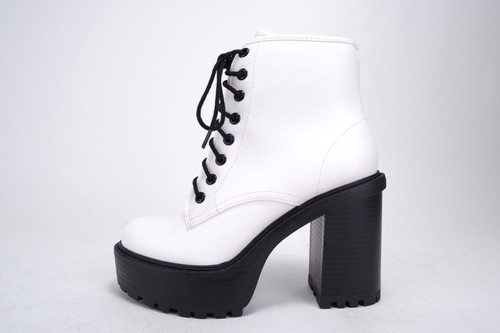 Women Lace-Up Platform Boots - orangeshine.com