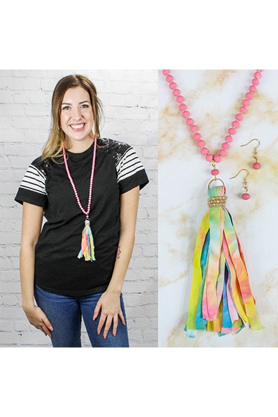 Fuschia Tassel Necklace - orangeshine.com