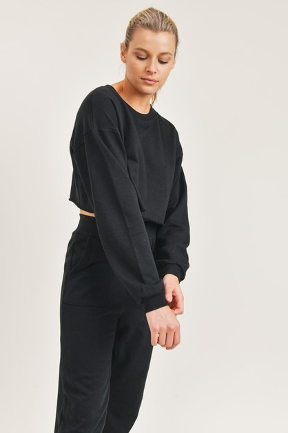 Essential Cropped Top with Long Sleeves - orangeshine.com