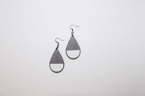 Teardrop wood and leather earrings - orangeshine.com