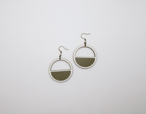 Cut out circle wood-leather earrings - orangeshine.com