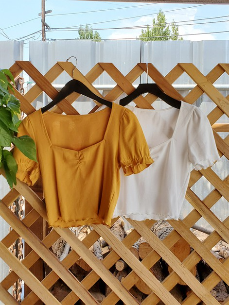Heart Neck Short Sleeve Knit Top - orangeshine.com