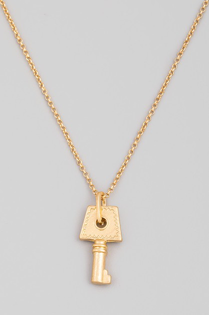 Dainty Key Pendant Necklace - orangeshine.com