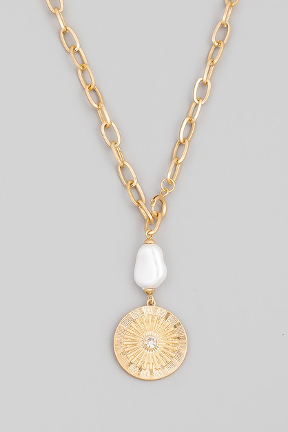 Pearl Round Disc Pendant Necklace - orangeshine.com