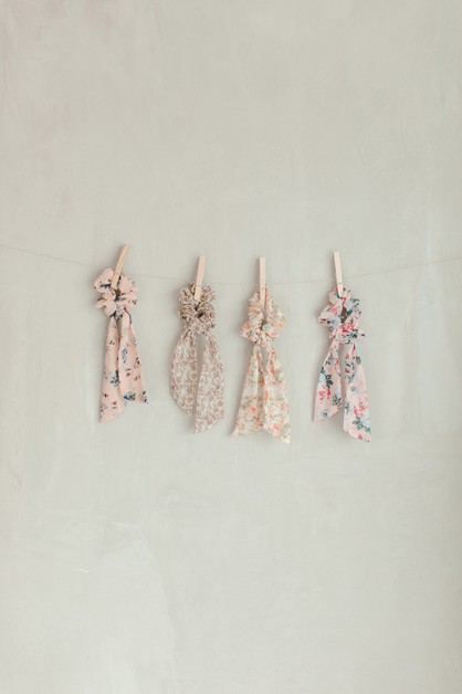 Floral Bow Scrunchie - orangeshine.com