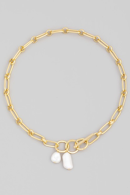Toggle Chain Pearl Charm Necklace - orangeshine.com