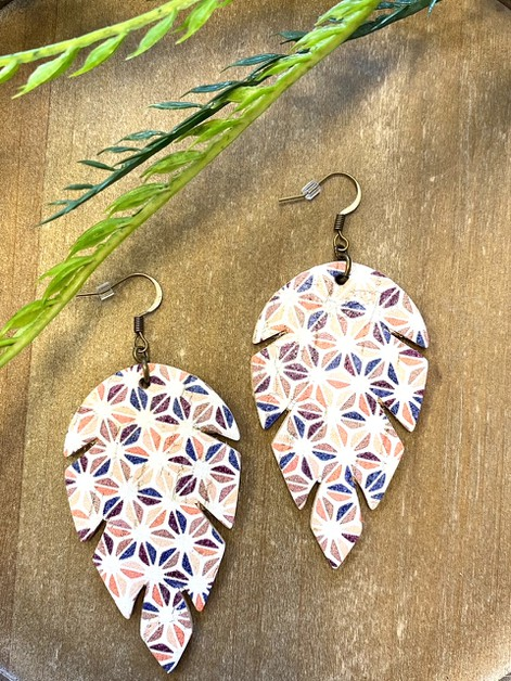 Lrg Petal Geo Print Leather Earrings - orangeshine.com